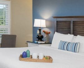 Sand Pebbles Inn room